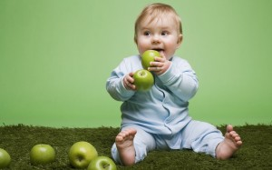Family Meals Help Kids Eat More Fruit & Veggies