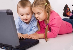 Too much Internet use may leave kids 'brain-dead': Expert