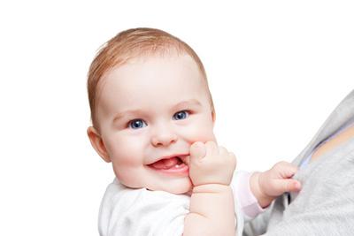 Babies shouldn't get solid foods until 6 months old