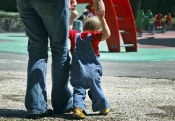 Children's physical activity influenced by their mothers