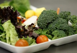Kids eating more fruits, veggies under healthier school lunch guidelines
