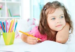 Девочка с аутизмом рисует удивительные картины