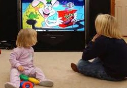 Какой телевизор выбрать в детскую комнату