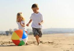 7 детских игр на природе: для малышей 1-3 лет