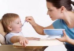 Начинаем прикорм малышу. Советы по кормлению