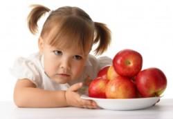 Как бороться с жадностью ребенка: советы родителям
