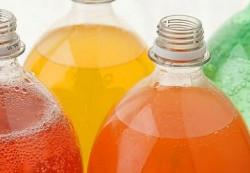 Стало известно, как газированные напитки влияют на подростков