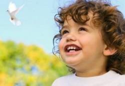 Психологи выяснили, что ребенку необходимо для счастья