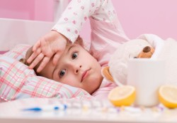 Как бороться с простудой у ребенка