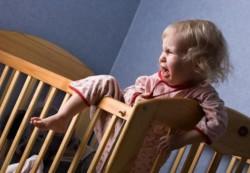 Как отучить ребенка закатывать истерики