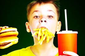 Зависимость от фастфуда у детей формируется в определенном возрасте