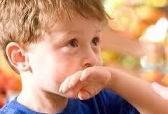 Ребенка тошнит: какие причины?