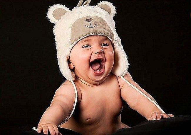 Смех у ребенка: как он развивается и как его вызвать
