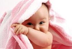 Как и чем мыть вещи ребенка?