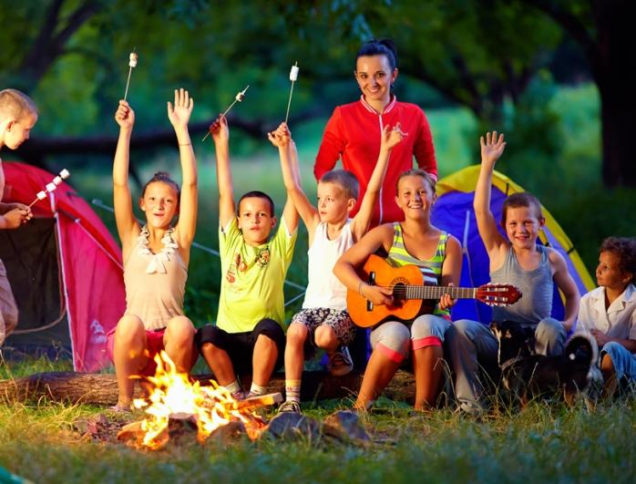 Как помочь ребенку адаптироваться в лагере: советы психолога