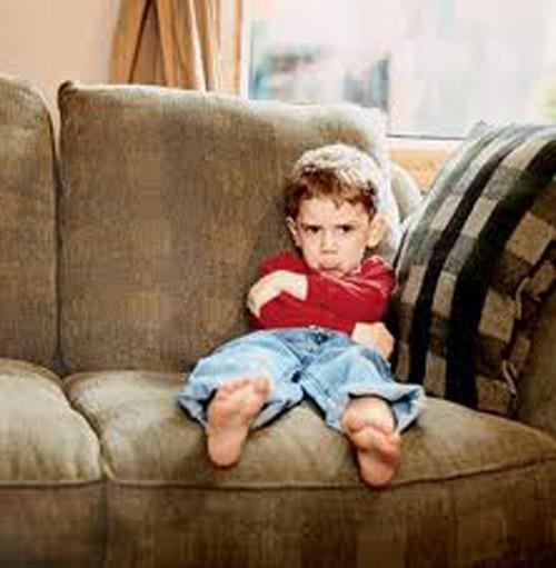 Почему ребенок перестает слушаться родителей