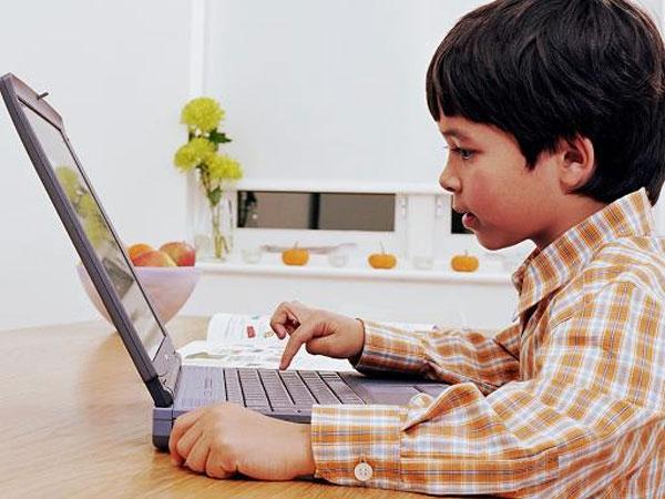 Как отучить ребенка от патологического интереса к гаджетам