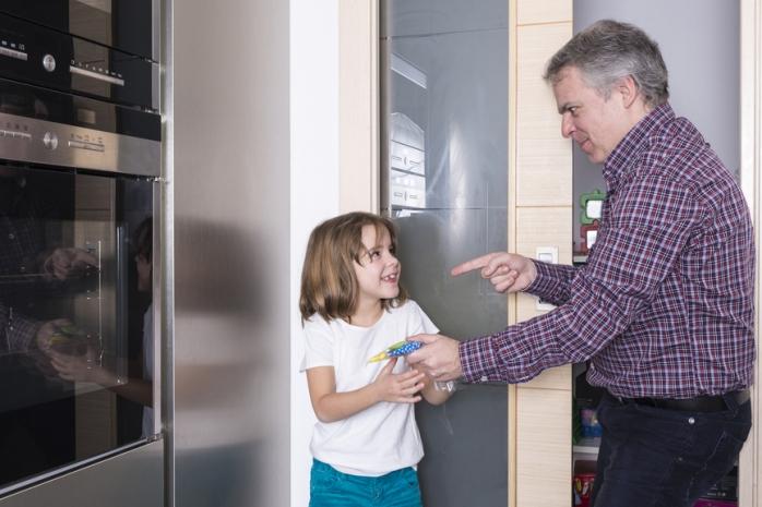 Маленький воришка: причины детской клептомании и как с ней бороться