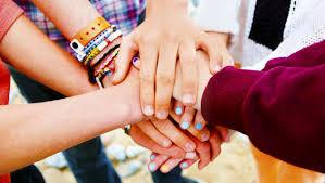 Дружба в подростковом возрасте быстро заканчивается, показало исследование
