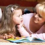 Психологи рассказали, как правильно разговаривать с ребенком