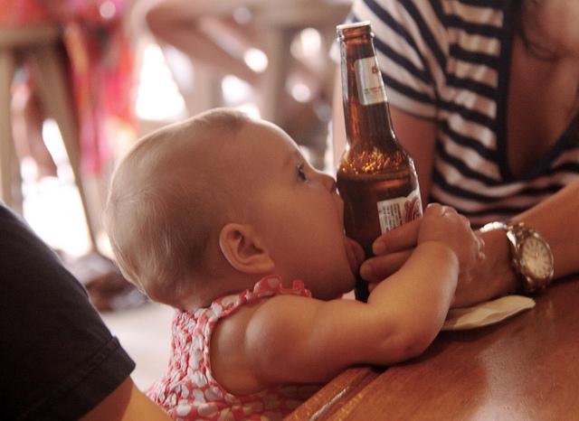 Детей необходимо информировать о вреде алкоголя начиная с 9 лет