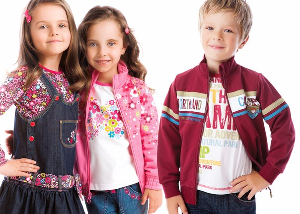 Детская одежда в магазине Tiny Kids