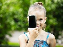 Мобильные телефоны снижают успеваемость школьниц, предупреждают ученые