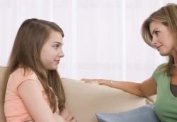Первая школьная любовь: как реагировать родителям?