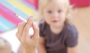 Курящие родители подвергают своих дочерей риску онкологии