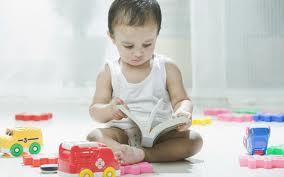 Обучение двум языкам с младенчества повышает эффективность обработки информации у детей