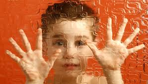 Появление ребенка-аутиста может быть связано с частыми беременностями