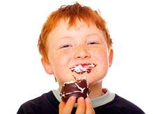 Специалисты рассказали, почему некоторым детям все время хочется сладостей