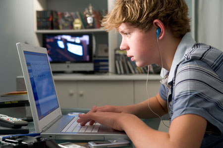 Опасен ли интернет для ребёнка?