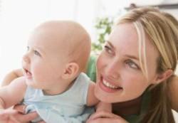 Как развивается малыш в первый год жизни