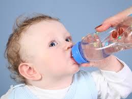 Питьевой режим ребенка до года