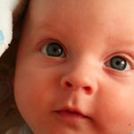 Проверка зрения у новорожденных