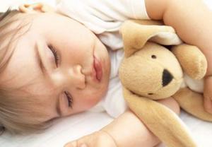 Почему ребенок плохо спит по ночам? Как помочь ему уснуть?