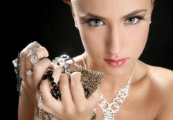 Почему растет популярность серебряных украшений?