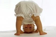 Угри на лице у ребенка? В чем причина?