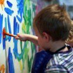 Маленькие дети видят мир в иных красках