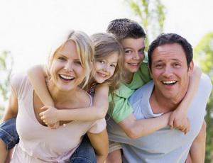 Ребенок в постели родителей: за и против