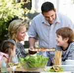 Рацион питания ребенка зависит от того, как питаются его родители