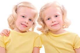 В мире рождается все больше близнецов