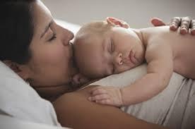 Как отучить ребенка от ночных кормлений?