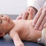 Первый медосмотр новорожденного