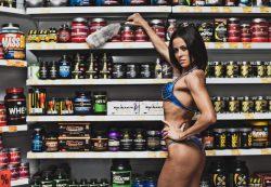 Нужно ли спортивное питание начинающим девушкам?