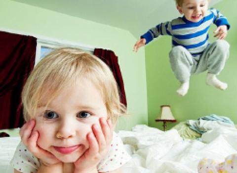 Как уложить спать гиперактивного ребенка