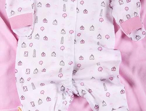 Какой гардероб можно собрать из детской одежды для новорожденных?