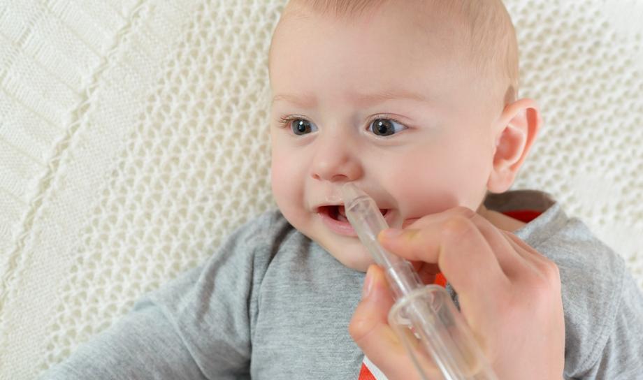 Чем лечить насморк у новорожденного ребенка