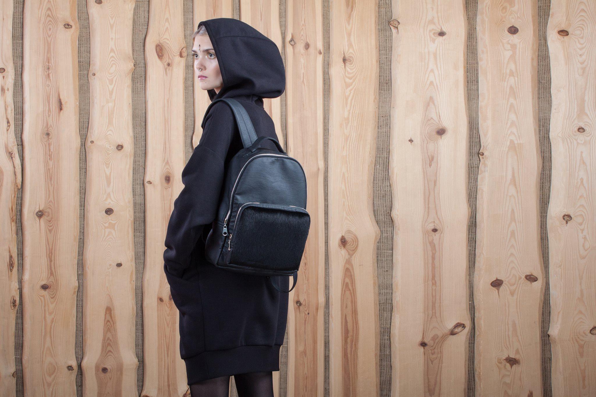 Рюкзак украинских дизайнеров для каждого, кто желает получить особый стиль и модных аксессуар к своему облику.